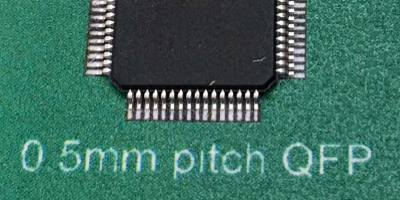 0.5mm IC closeup 400x200