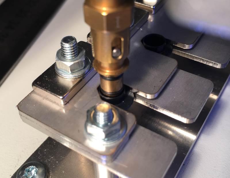 inserting-adapter